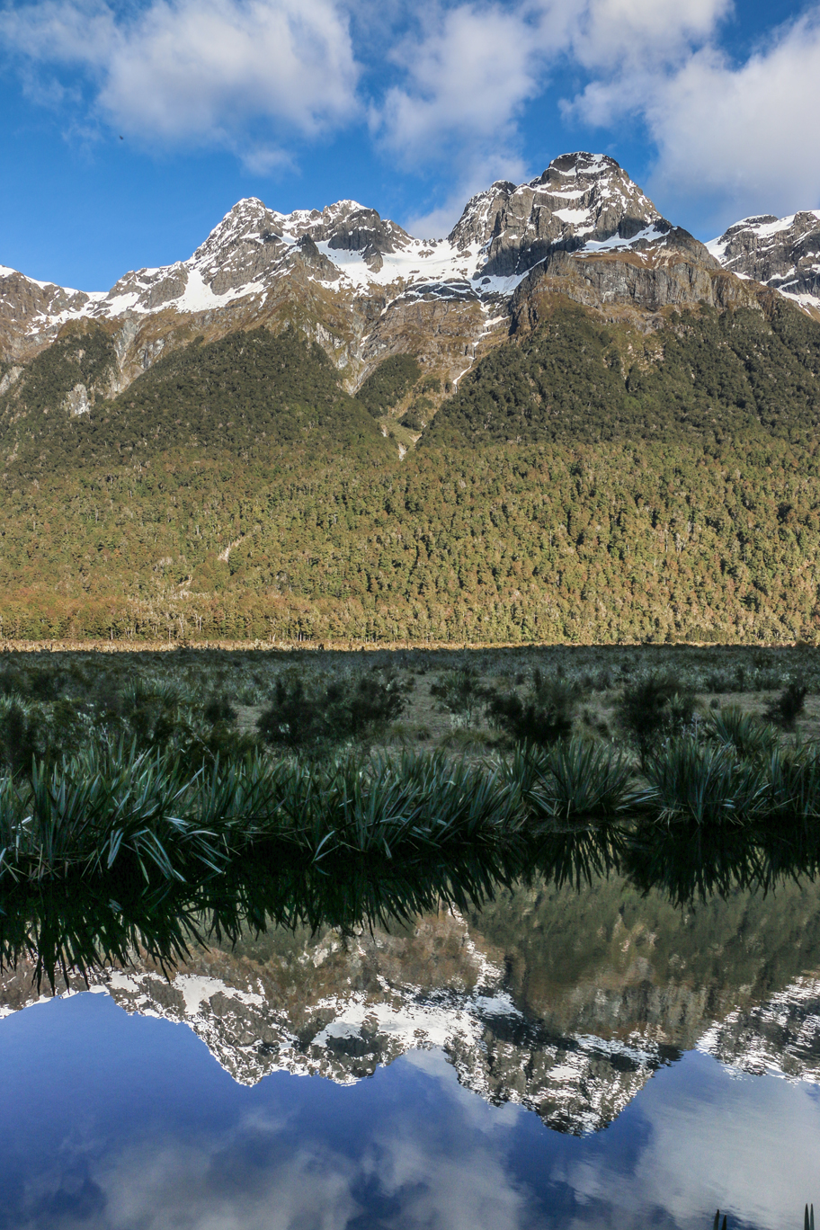 "L'un des bien nommés ""Mirror lakes""."